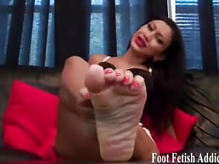 Preview 5 of Suck on my sweet little pedicured toes