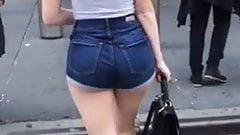Sincero grueso culo rubia adolescente en pantalones cortos