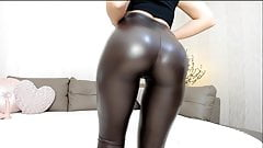 Hot webcam teen in shiny leggings with great ass tease pt.2