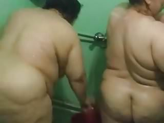 Two Iraqi Mature BBWs in the Shower