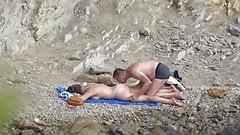 Beach Voyeur - couple 2- part 4