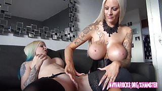 Aviva Rocks und ihre deutsche Freundin mit den riesen Titten's Thumb