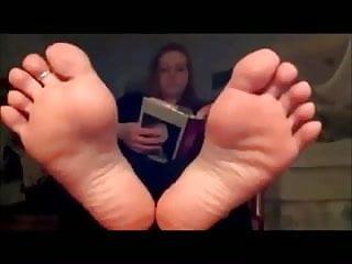 Ragazza dai piedi divini