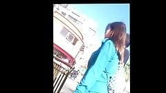 Tremenda Barbie en jeans luciendo su culo por las calles