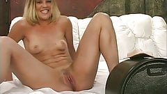 Blond babe has wet and wild ride on sybian