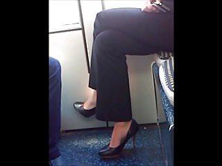 Download video bokep candid sexy blond in heels dans le tram part 1 Mp4 terbaru