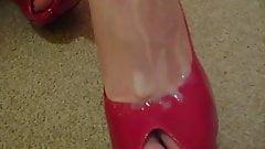Married slut loves red stilletos, but so do I :)