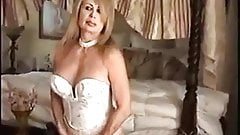 Sexy mature women taking a good pounding