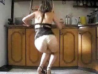 rebolando na cozinha
