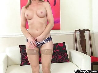 British mom Sofia fucks herself with a dildo