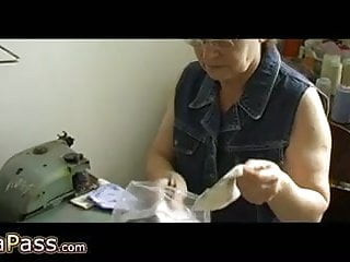 Old lady masturbating her hairy pussy