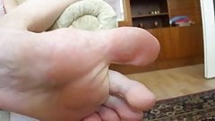 Stinky cheesy feet