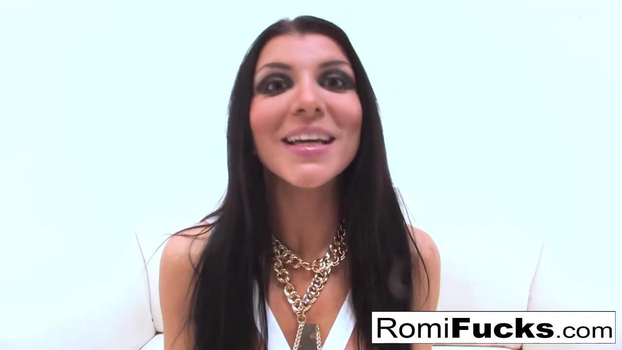 Gonzo sex with porn starlet Romi Rain