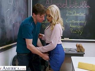 Pillado Por Profesora Tiene Sexo en El Colegio