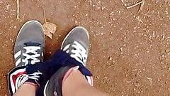 Lilly retire sa culotte dans le parc 's Thumb