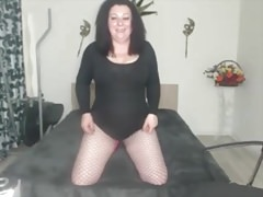 Big Boob Webcam MILF strips and fingers