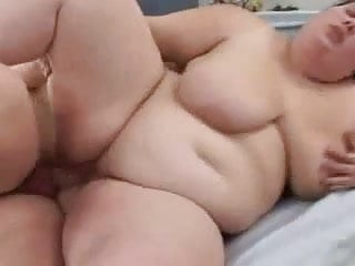 MILF fatty enjoys a good fuck and cumshot on her pussy