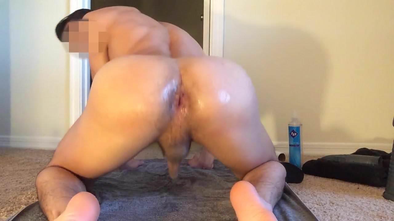 Asian girl muscle legs