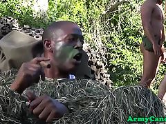 Outdoors army hunk cums while assfucked
