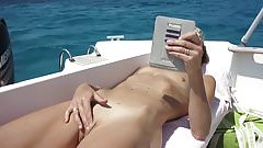 masturbation sur le bateau