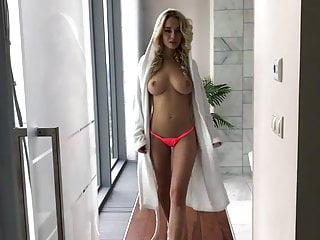russian sexwife Natalia Andreeva - Showing a beautiful body