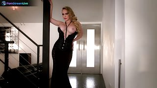 Sexy Kagney Linn Karter enjoys thick cock on her pink slit