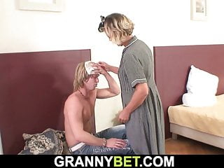 Cleaning woman rides his horny big meat