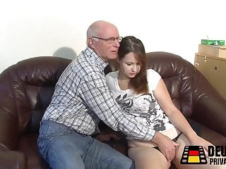 Download video bokep Alter Schwanz, junge Muschi Mp4 terbaru