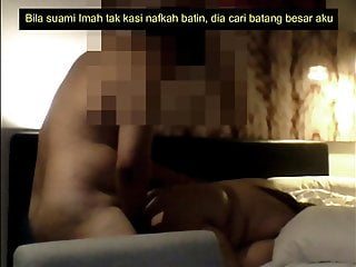 Download video bokep Imah, bini orang kena doggy berdiri Mp4 terbaru