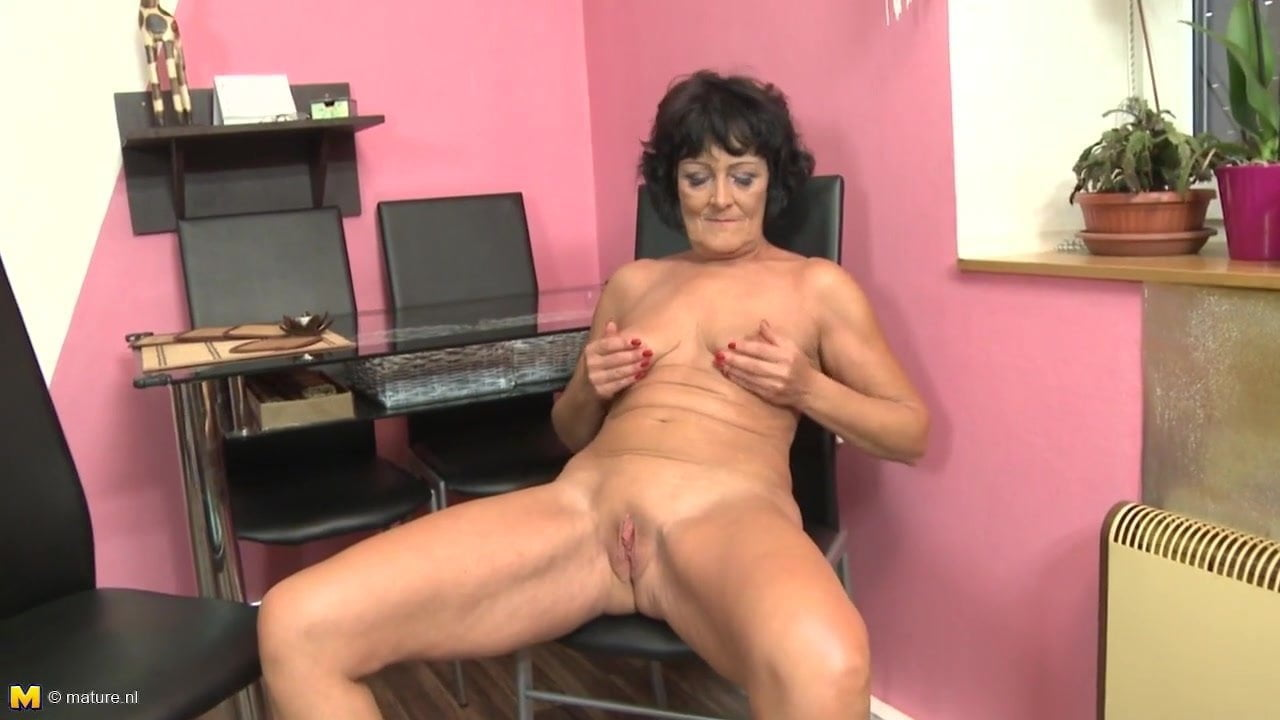 Mature nudes nannies for the