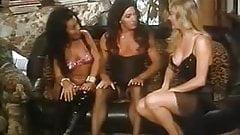 Moana Pozzi - threesome - Offerta indecente (1994)
