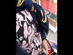 muslim mom with very nice big natural tits spy in shop
