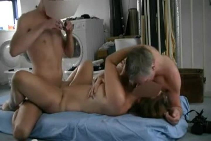 Free download & watch intense amateur bisexual mmf action in basement         porn movies