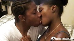 Black girlfriend gets fingered and eaten passionately