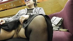 Hairy mature flashing in shopping center