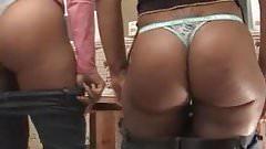 Sexy Slim Bubble Butt Ebonies Teasing
