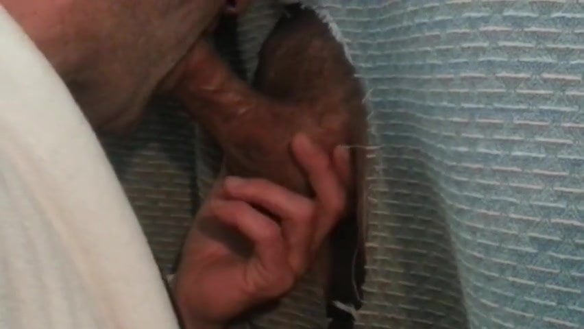 Quick Cummer At The Homemade Glory Hole, Free Gay Porn F7-1728