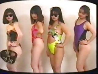women-topless-sumo