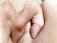 my horny wife's Thumb
