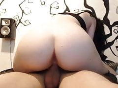 Sexy babe nice ass fucking bf cowgirl