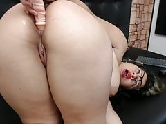 PAWG plays with Asshole