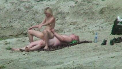 Voyeurchamp.com 3 Hot MILF Moms Exposed On the Nude Beach!