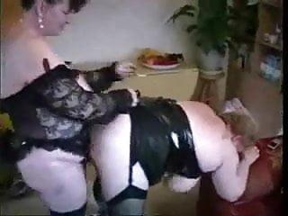 Mom fucks girlfriend - My old mom fucked by her girlfriend. stolen video