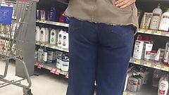 Nice Ass Latina Mature in Jeans's Thumb