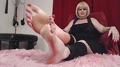 long toe and finger nail mistress