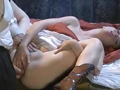 ''Jessie Palmer'' gives all her holes to Dracula