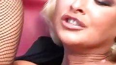 Great Blonde masturbation