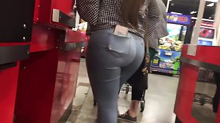 Thick Beautiful Latina in Light Blue Jeans