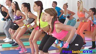 Sensual fitness lesbian tribbing in yogapants