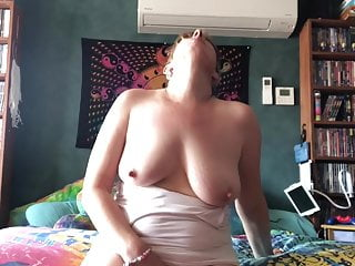 A Quick Play And Cum